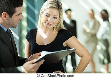 dall'aspetto, donna d'affari, documento, uomo affari