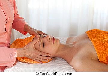 dare, estetista, massaggio facciale