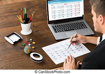 data, uomo affari, marcatura, calendario