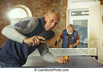 detenere, anziano, posto lavoro, divertimento, uomini, ping-pong, gioco