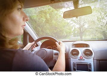 dietro, donna, automobile, guida, vista