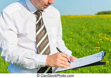 direttore, firma, mette, importante, suo, documenti