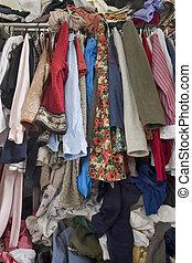 disordinato, overfilled, bugigattolo, vestiti