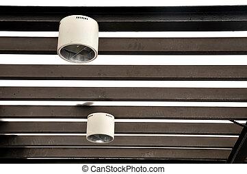 dispositivi per fissaggio e serraggio, illuminazione, appendere