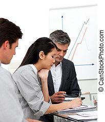 documento, studiare, partner affari, concentrati