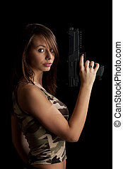 donna, fucile, presa a terra