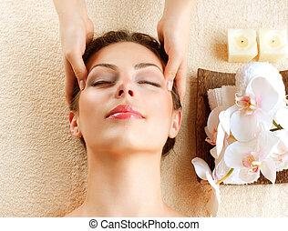 donna, giovane, facciale, prendendo massaggio, terme, massage.