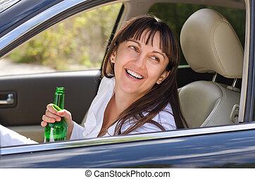 donna, guida, ubriaco