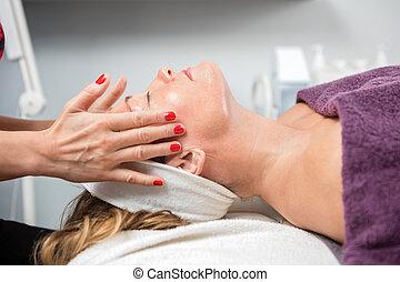 donna, istituto di bellezza, facciale, ricevimento, massaggio