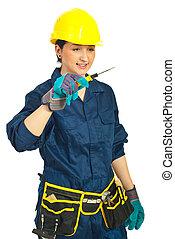 donna, lavoratore, giovane, presa a terra, cacciavite