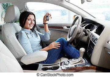 donna macchina