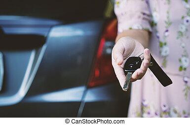donna nuova, automobile., chiavi, presa a terra
