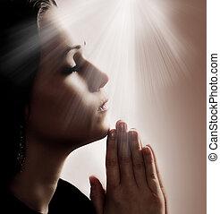 donna pregando