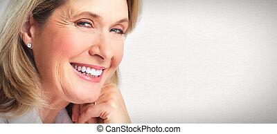 donna senior, portrait.