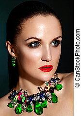 donna, verde, caucasico, capelli, trucco, brunetta, moda, glamor, pulito, accessorio, giovane, sano, closeup, bello, labbra, ritratto, look., pelle, perfetto, jewelery, alto, sexy, modello, rosso, luminoso
