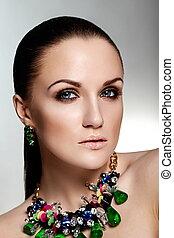 donna, verde, caucasico, capelli, trucco, brunetta, moda, glamor, pulito, accessorio, giovane, sano, closeup, bello, ritratto, look., pelle, perfetto, jewelery, alto, sexy, modello, luminoso