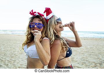 donne, cibo, due, natale, festivo, spiaggia, mangiare