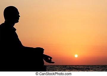 essere, meditare, fondo., loto, sole, seduta, cielo, giovane, giallo, oceano, anche, sera, regolazione, lattina, posizione, arancia, visto, meditazione, spiaggia, fondale, uomo