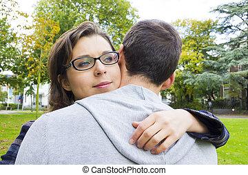 esterno, amore, coppia, parco, dall'aspetto, abbracciare, ritratto, felice