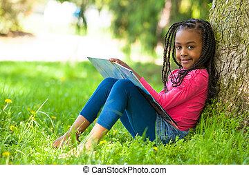 esterno, -, persone, ragazza nera, carino, poco, libro, ritratto, africano, lettura, giovane