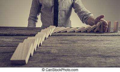 evitare, sgretolamento, domino, palma, uomo affari