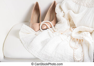 femmina, bianco, accessori