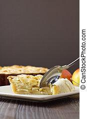 fetta, mela, verticale, torta, ghiaccio, cucchiaio, crema