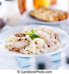 fettuccine alfredo, pasta, pollo cotto, italiano