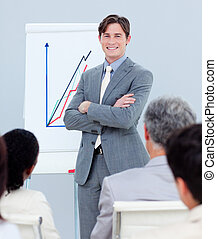 fiducioso, uomo affari, vendite, segnalazione, figure