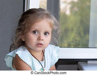 finestra, leva piedi, bella ragazza, poco, biondo