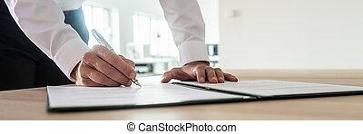 firmare, importante, documento, uomo affari