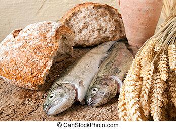 fish, vino, bread