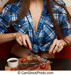 forchetta, donna mangia, seducente, lama bistecca