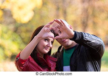 forma cuore, mani, formare