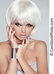 fringe., moda, girl., bellezza, style., hair., close-up., voga, woman., isolato, ritratto, hairstyle., faccia, biondo, grigio, corto, fondo., bianco
