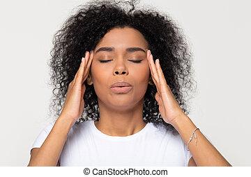 giù, tentando, stress, nervoso, calmante, africano, alleviare, respirazione, donna