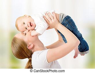 gioco, bambino, family., felice, madre, su, tiri