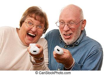 gioco, coppia, remotes, gioco, video, anziano, felice