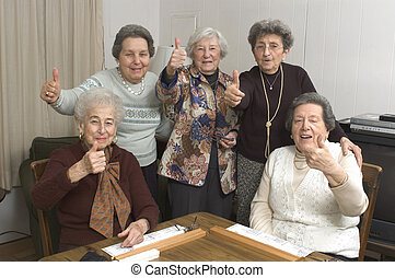 gioco tavola, donne senior