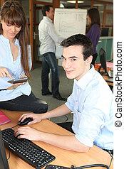 giovane, ufficio, persone lavorare