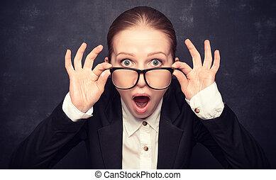 grida, divertente, insegnante, sorpreso, occhiali