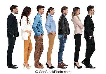 gruppo, persone, linea, attesa, differente, giovane