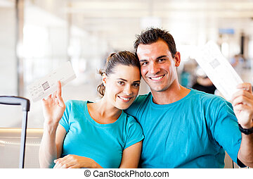 imbarco, coppia, giovane, aeroporto, passare, felice