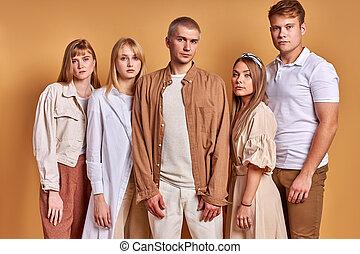 indossare, straordinario, gioventù, trendy, proposta, insolito, gruppo