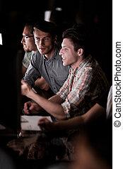 informazioni, squadra, importante, affari, discute