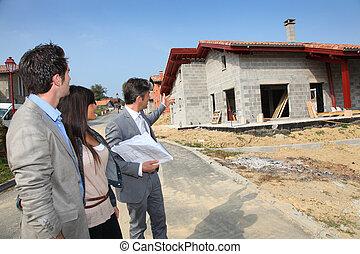 investitori, reale-proprietà, esposizione, giovane, agente, piano, casa