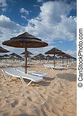 isola, portogallo, parasole, vuoto, loungers, differente, algarve., sole, tavira, spiaggia