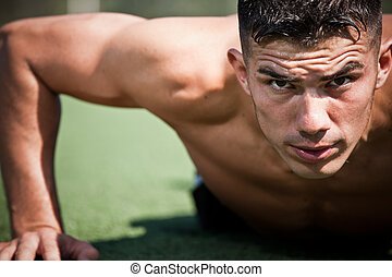 ispanico, atleta, push-up