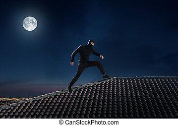 ladro, tetto