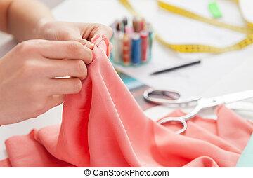 lavorativo, lei, seduta, immagine, cucito, raccolto, mentre, sarto, posto, sewing.